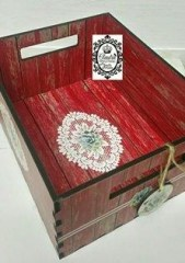 CRATE MED - RED DW DOILIE SUCCULANT