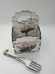 PINK KING PROTEA- 4DIV SCALLOP CADDY Incl. cutlery R145
